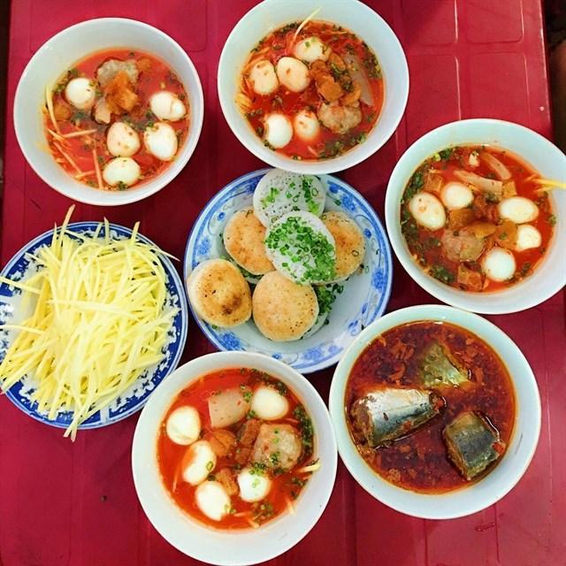 diadiemanuong-com-lap-keo-oanh-tac-chuyen-foodtour-phan-thiet-an-met-nghi-chua-den-500k43f0565a635924365222256840